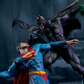 Batman vs Superman Diorama Dramatic Environment Shot 2