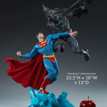 Batman vs Superman Diorama Open Lit Shot 1