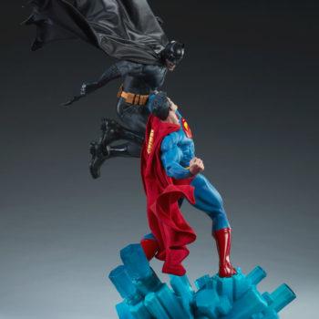 Batman vs Superman Diorama Open Lit Shot 5