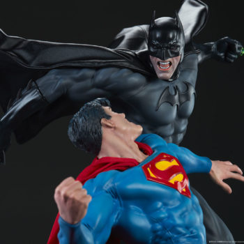 Batman vs Superman Diorama Open Lit Close up on Upper Bodies