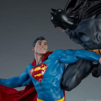 Batman vs Superman Diorama Close Up on Superman Upper Body