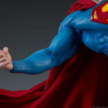 Batman vs Superman Diorama Close up of Superman Arm 2