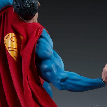 Batman vs Superman Diorama Superman Cape View