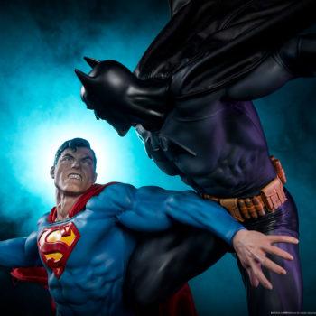 Batman vs Superman Diorama Dramatic Lighting Shot