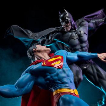 Batman vs Superman Diorama Dramatic Lighting Shot 2