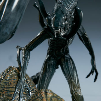 Alien Queen Maquette Alien Warrior Close Up 2- Sideshow and Legacy Effects