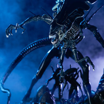 Alien Queen Maquette Dramatic Lit Shot 2- Sideshow and Legacy Effects