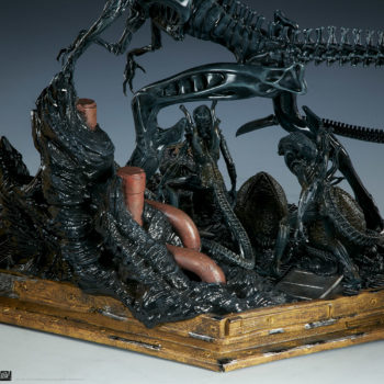 Alien Queen Maquette Base Detail Shot 2- Sideshow and Legacy Effects