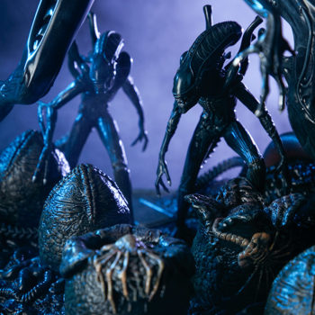 Alien Queen Maquette Alien Warriors Dramatically Lit Shot 2- Sideshow and Legacy Effects