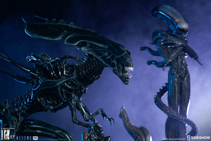 Alien Queen Maquette with Alien Internecivus Raptus Statue- Sideshow and Legacy Effects