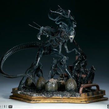 Alien Queen Maquette Turnaround 1- Sideshow and Legacy Effects
