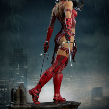 Elektra Premium Format Figure side view with city background