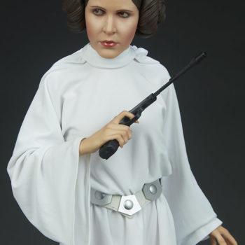 Princess Leia Premium Format™ Figure Upper Body Close Up 2