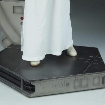 Princess Leia Premium Format™ Figure Base Detail