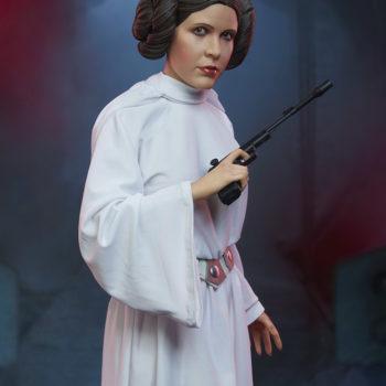Princess Leia Premium Format™ Figure Dramatic Environment Shot 5