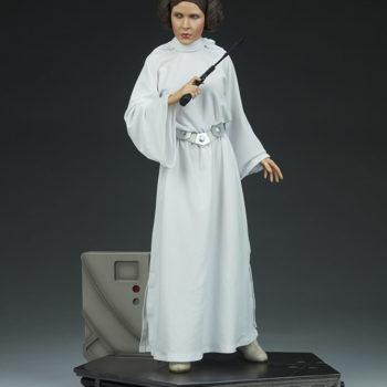 Princess Leia Premium Format™ Figure Open Lit Shot 1