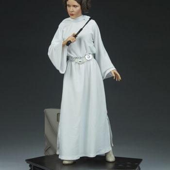 Princess Leia Premium Format™ Figure Open Lit Shot 2