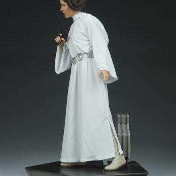 Princess Leia Premium Format™ Figure Open Lit Shot 3