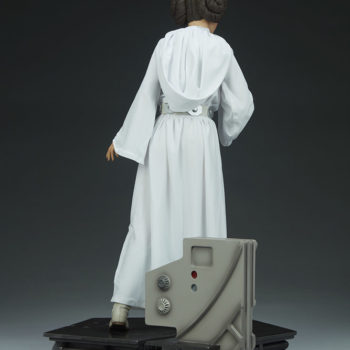 Princess Leia Premium Format™ Figure Open Lit Shot 4