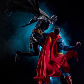 Batman vs Superman Diorama Dramatic Lighting Shot 3