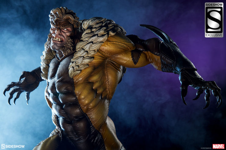 Sabretooth Premium Format™ Figure Exclusive Edition Dramatic Shot with Dark Blue Foggy background