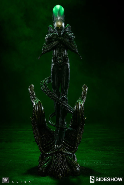 Alien Statue by Sideshow