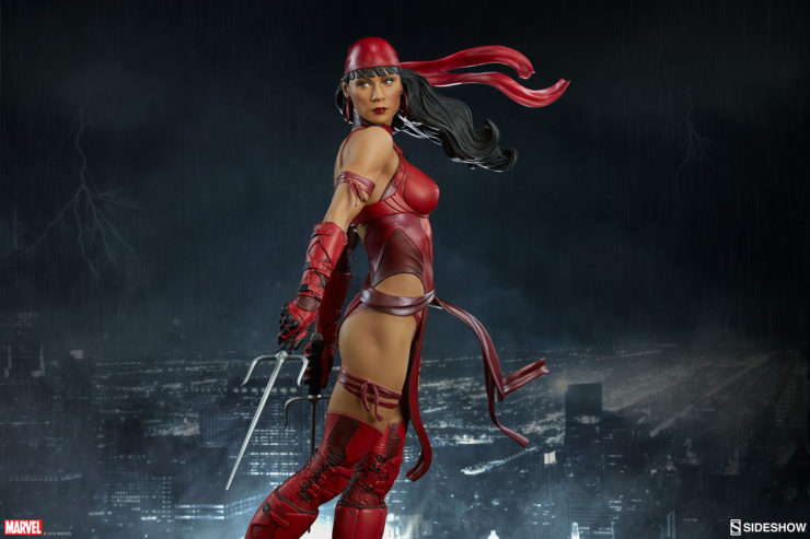 Elektra with her Sai at her side