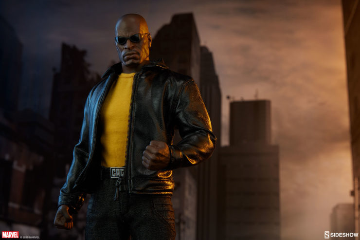 Sweet Christmas! See Mike Colter Unbox His Very Own Luke Cage Sixth Scale Figure from Sideshow
