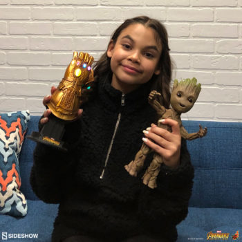Ariana Greenblatt with the Infinity Gauntlet and Groot