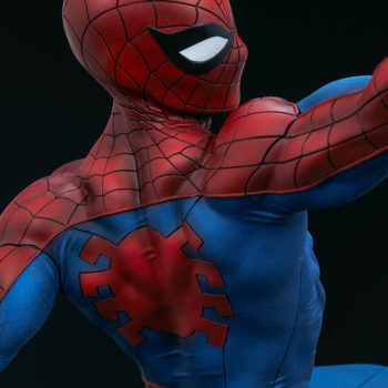 Spider-Man Premium Format™ Figure Back of Torso Sculpted Suit Detail