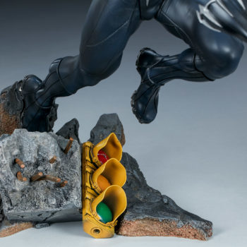 Black Panther Statue- Avengers Assemble Collection Street Base Close Up