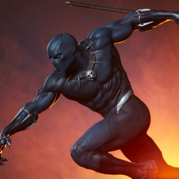 Black Panther Statue- Avengers Assemble Collection Dramatic Lighting Shot 4