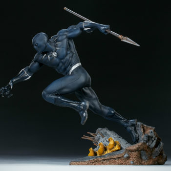 Black Panther Statue- Avengers Assemble Collection Open Lit Shot 2