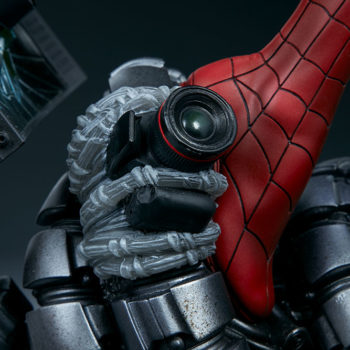 Spider-Man Premium Format™ Figure Peter Parker's Camera