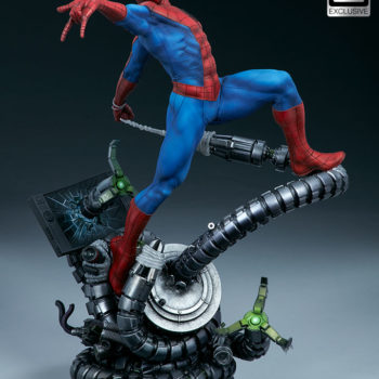 Spider-Man Premium Format™ Figure Exclusive Edition Open Lit Image with Large Mask Eyes Portrait