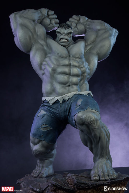 Grey Hulk Statue by Sideshow Collectibles Poised to Pummel
