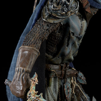 Relic Ravlatch: Paladin of the Dead Premium Format™ Figure Arm and Armor detail