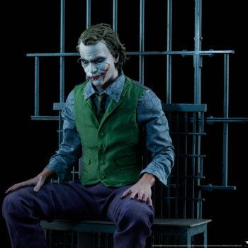 The Joker Premium Format™ Figure Jail Cell Scene Drama 2
