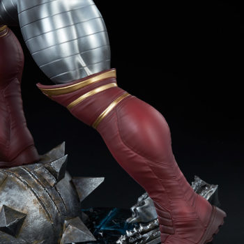 Colossus Premium Format™ Figure Left Leg Detail