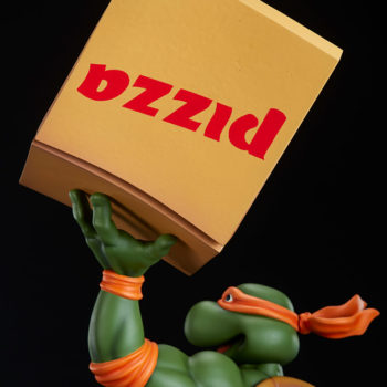 Michelangelo 1:4 Scale Statue Exclusive Pizza Box Hand Back of Box