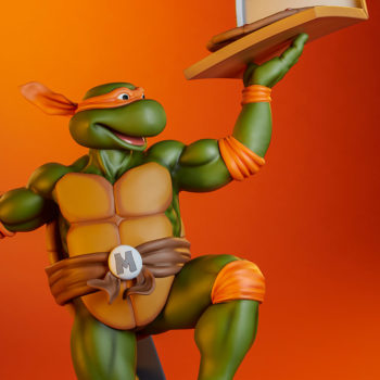 Michelangelo 1:4 Scale Statue Exclusive Portrait and Pizza Box Display