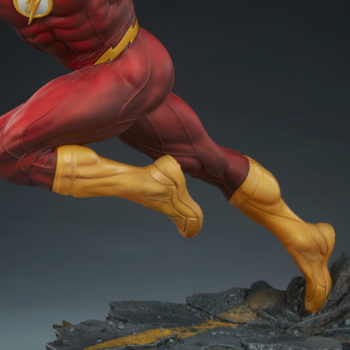 The Flash Premium Format™ Figure Base and Legs