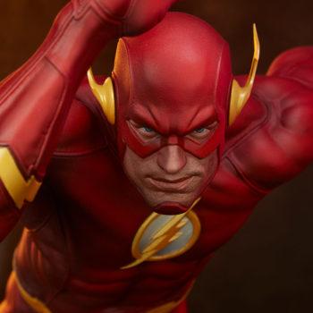 The Flash Premium Format™ Figure Head-On Portrait View