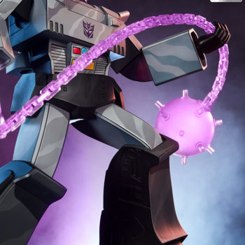 Megatron G1 Museum Scale Statue with Energon Mace, Smirking Portrait Exclusive Edition and Dramatic Lighting