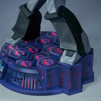 Megatron G1 Museum Scale Statue Cybertronian Environment Base