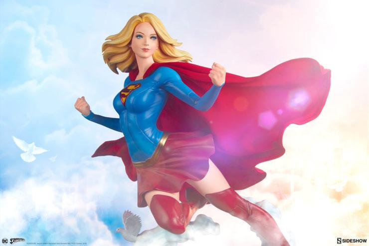 Supergirl Premium Format™Figure