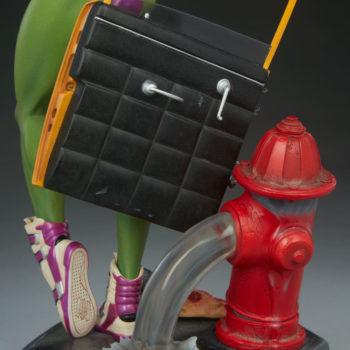 She-Hulk Statue from the Adi Granov Artist Series Back of Taxi Car Door