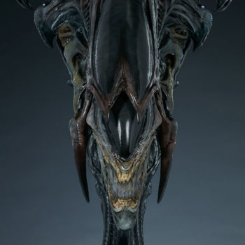 Alien Queen Mythos Legendary Scale™ Bust Front View with Lower Jaws