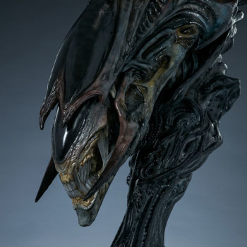 Alien Queen Mythos Legendary Scale™ Bust Lower Jaws Turned View
