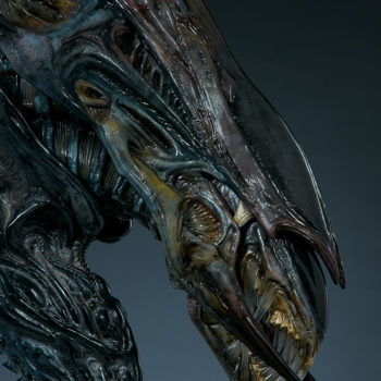 Alien Queen Mythos Legendary Scale™ Bust Close Up on Profile Turned Right